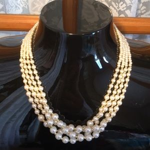 """Pearl w Gold Beads Vintage Faux 18"""" Necklace"""